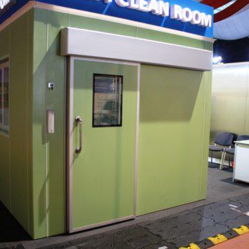 Doors for clean rooms