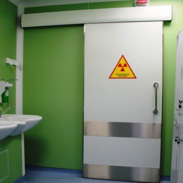 Apsauginės nuo rentgeno spindulių durys